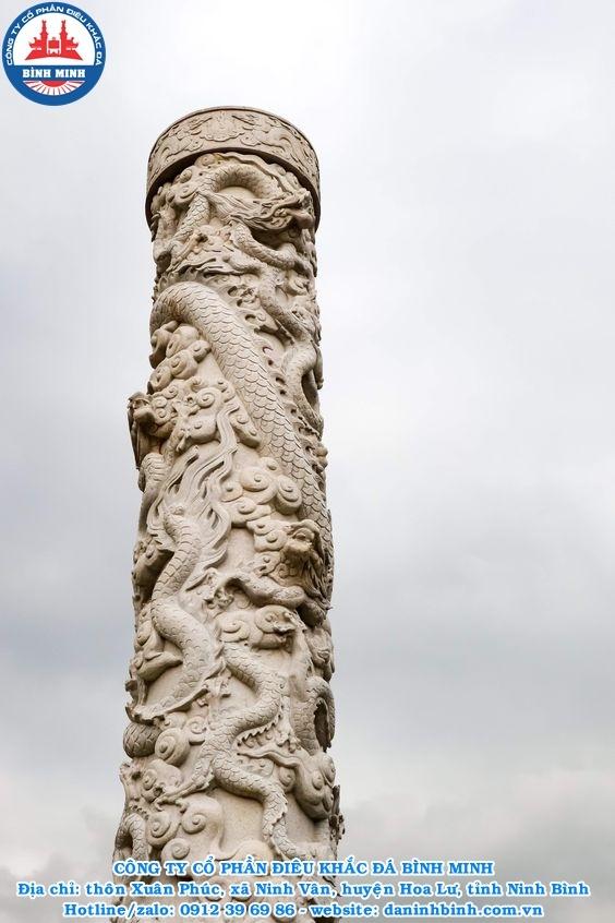 Cột đá tròn đá vàng