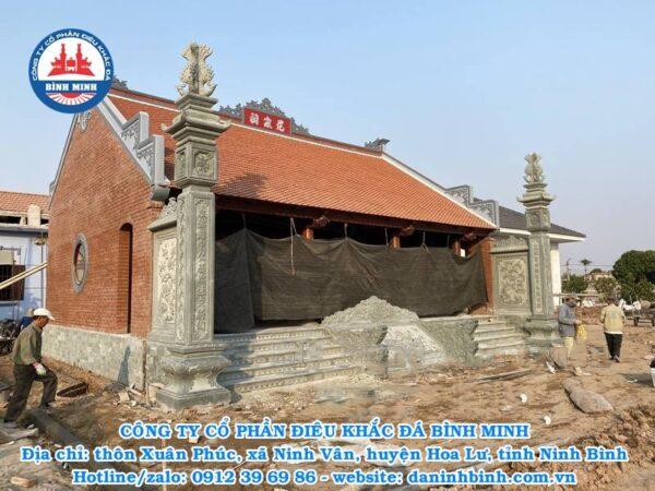 cột đồng trụ đá xanh rêu nhà thờ họ đẹp