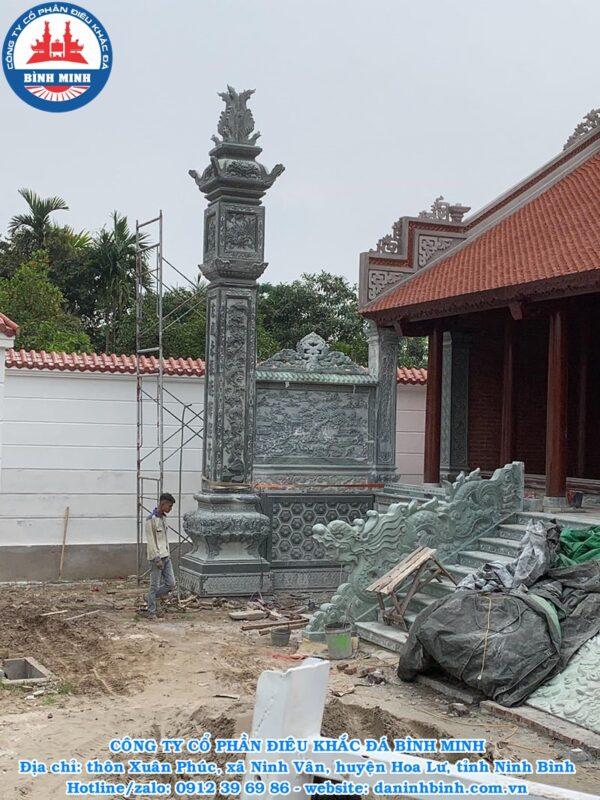 Cột đồng trụ đá xanh rêu nguyên khối