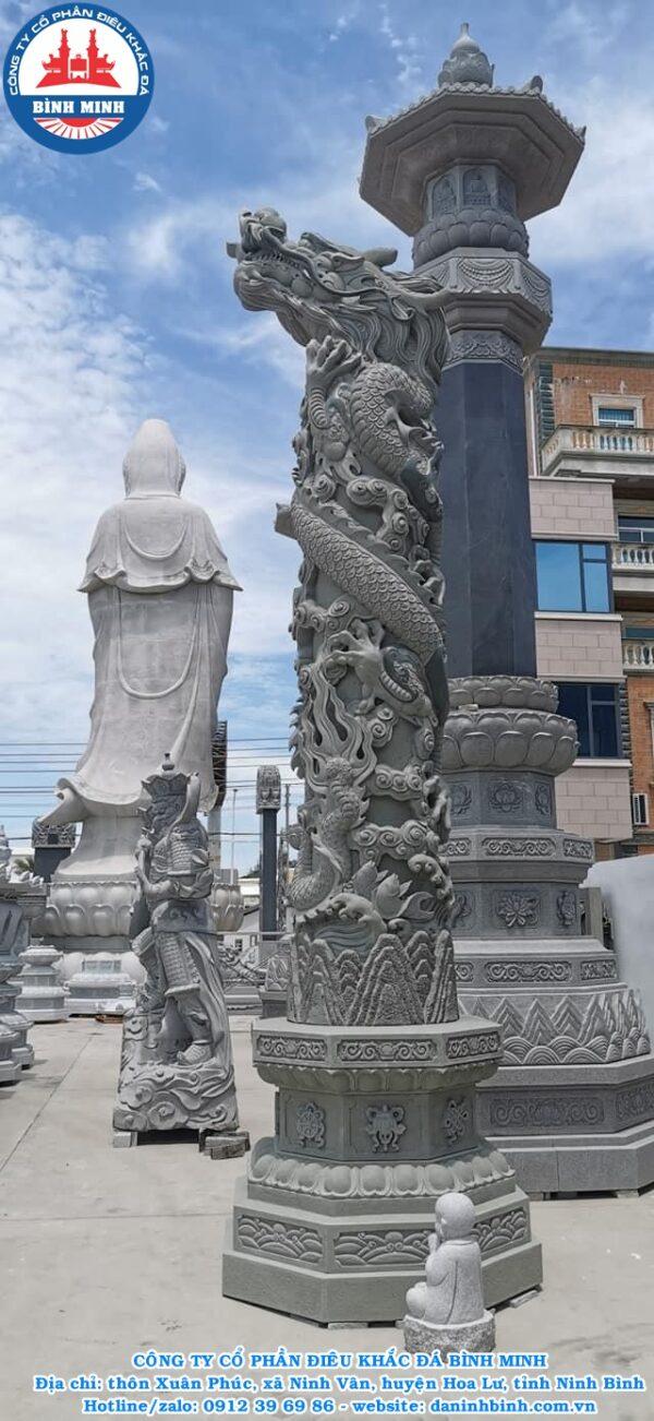 Điêu khắc cột đá tròn tinh xảo