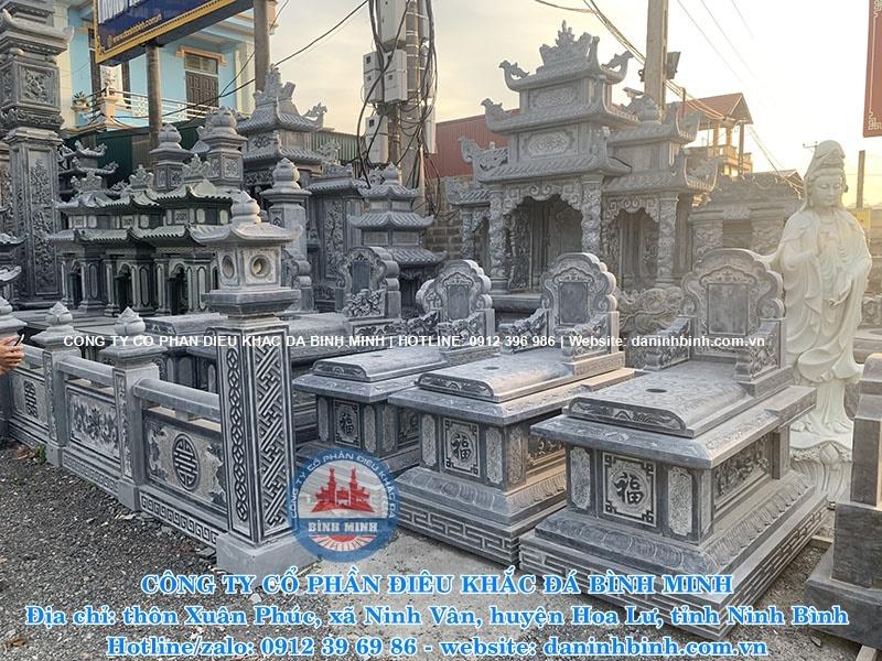 mộ đá đơn giản tại xưởng trưng bày sản phẩm Công ty Bình Minh Ninh Bình