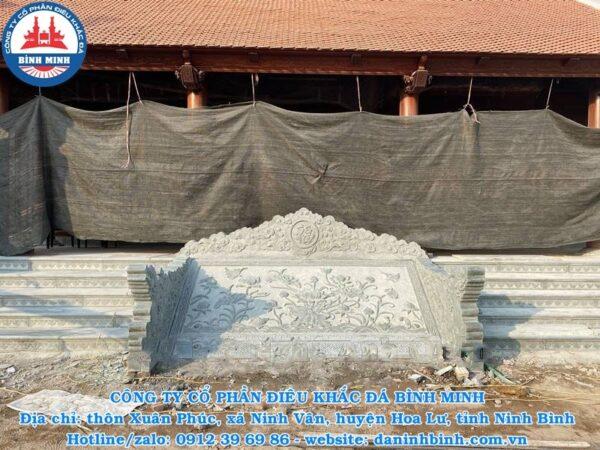 Chiếu đá đầm sen bằng đá xanh rêu nhà thờ họ