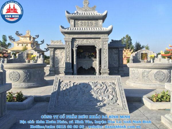 Chiếu nghỉ đá khu lăng mộ