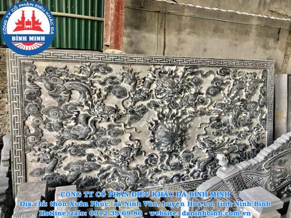 Chiếu rồng đá ngũ long tranh châu tại xưởng trưng bày Binh Minh