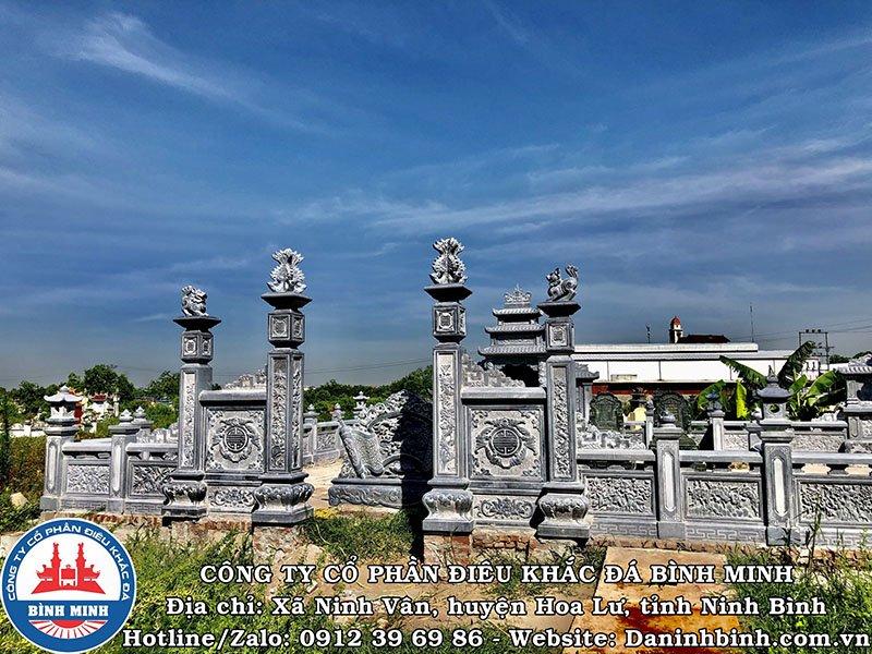 Cổng tứ trụ khu lăng mộ tại Nam Định