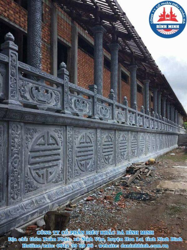Hàng rào đá đình chùa
