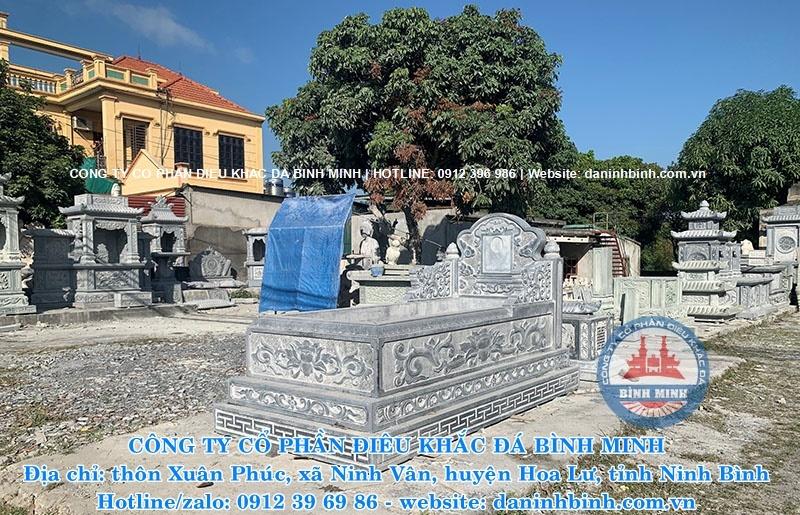 Điêu khắc hoa văn trên mộ