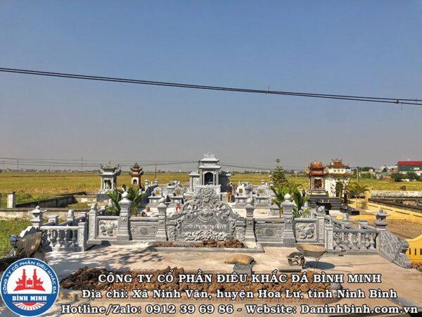 Khu lăng mộ đá xanh đen tại Thái Bình
