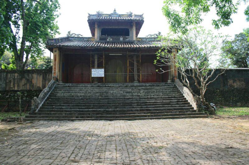Lăng vua Đồng Khánh