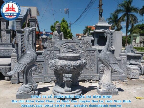 Lư hương đá đình chùa