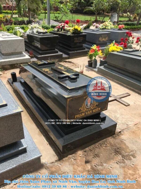 Mẫu mộ đá hoa cương công giáo đẹp Công ty Bình Minh thi công