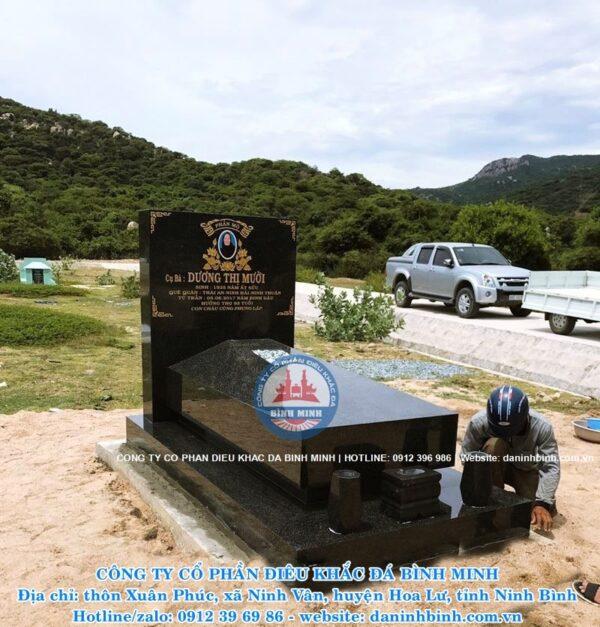Mẫu mộ đá hoa cương nguyên khối đẹp