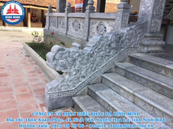 Rồng mây đá bậc thềm