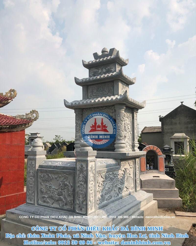 Lắp đặt mộ ba mái đá cho khách hàng