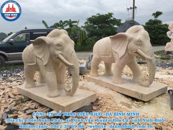 Tượng voi đá mỹ nghệ Bình Minh thi công